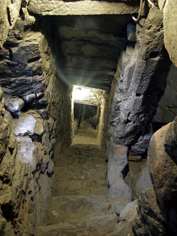 Das vierte Geschoss stammt aus dem 14. Jahrhundert.
