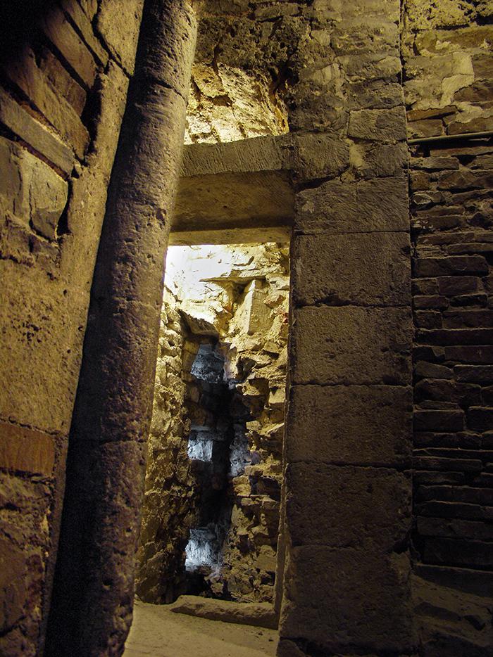 Historischer Zugang zur Palastaula Karls des Großen