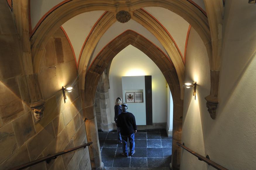 Das Ark'sche Treppenhaus wird von einem neogotischen Kreuzrippengewölbe überwölbt.